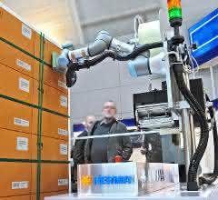 Mit dem Roboter auf die Paletten