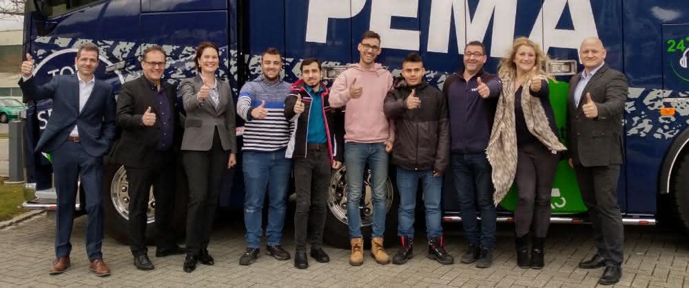 IHK-Projekt: Internationale Fachkräfte: Vier spanische Trainees starten bei PEMA