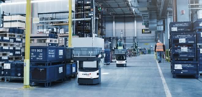 Fahrerlose Transportfahrzeuge: Open Shuttles vernetzen Prozesse und senken Kosten