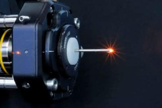 Das auf das Kopplungsobjektiv montierte Endoskopieobjektiv.