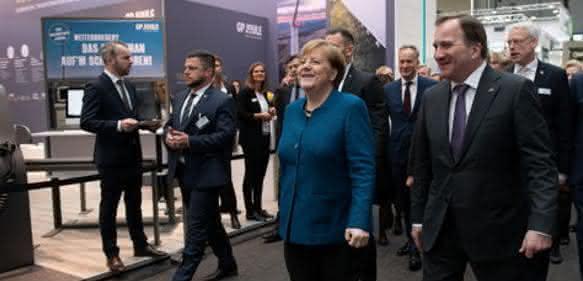 Bildergalerie: Eröffnungsrundgang: Angela Merkel und Stefan Löfven auf der Hannover Messe