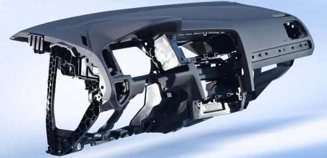 Weniger Gewicht und verbesserte Bauteileigenschaften hinsichtlich Verzug und Einfallstellen dank Mucell-Technologie. (Bild: Engel)