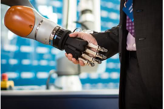 Schunk-Expert-Days-Handshake