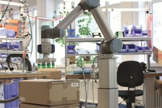SKF: Stadiontour mit Universal Robots