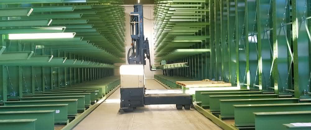 Verfahranlage spart Platz: 750 Tonnen Holz bewegen –  per Knopfdruck