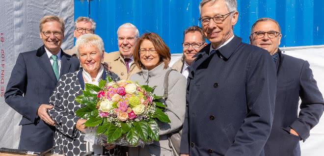 Fertigstellung Endes des Jahres geplant: Kühne + Nagel feiert Richtfest für neues Stammhaus