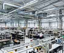 Lean Production im Fokus: Arbeitsplätze ergonomisch und flexibel gestaltet