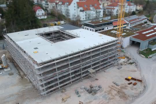 Neuer Technologiekomplex: Richtfest in Jena