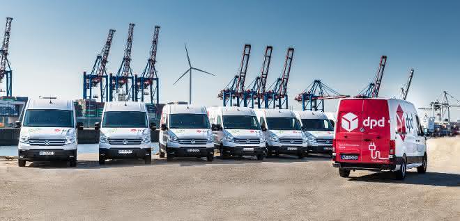 Emissionsfrei Pakete zustellen: Neun VW e-Crafter für DPD