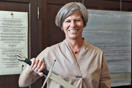 """Sandra Füllsack, CEO der Motan Gruppe, wird 46. """"Ritter der Kunststofftechnik""""."""