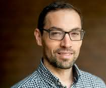 Prof. Dr. Nicolas Plumeré wurde für seine Arbeiten auf dem Gebiet der Bioelektrochemie ausgezeichnet.