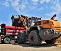 Radlader: Liebherr-Radlader L 586 XPower im Recycling-Einsatz