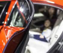 TPV für Eckformdichtungen im Auto