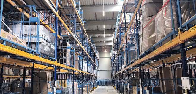 materialfluss 6/19: Maßgeschneiderte Roll-Boxen für Online-Händler