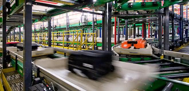 Gepäckabfertigung: Flughafen Singapur sortiert mit Beumer