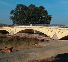 Neuer Kern in alter Optik: Brücken-Denkmal mit Leichtbeton saniert