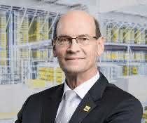 SSI Schäfer investiert