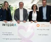 (L-R) Ruth Nieser-Loosli, Corporate Relations Manager, Krebsliga Schweiz; Dr. rer. nat. Rolf Marti, Head of Research, Innovation & Development and Member of the Executive Board, Krebsliga Schweiz; Lydiane Saucède, PhD, Product Manager & Application Scientist, Integra Biosciences, Jürg Bass, Marketing Communications Director, Integra Biosciences