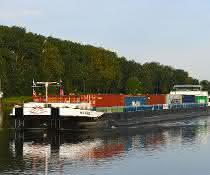 Hamburger Hafen: Mehr Container, mehr Massengut in der Binnenschifffahrt