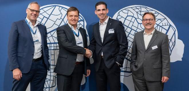 Kombinierter Verkehr: Hellmann und bayernhafen erweitern Serviceangebot