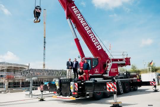 Mobilkran: Henneberger Schwerlast verstärkt Fuhrpark mit Liebherr-Mobilkran