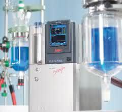 Bild 2: Bei den kompakten Laborgeräten, wie hier dem Petite Fleur, sind natürliche Kältemittel längst Standard. Aufgrund der geringen Füllmenge sind keine betreiberseitigen Sicherheitsmaßnahmen erforderlich.