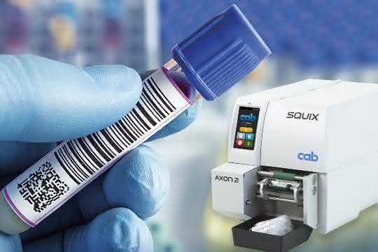 Mit dem System aus Drucker Squix und Ettikettierer Axon 2 lassen sich Laborröhrchen kennzeichnen.