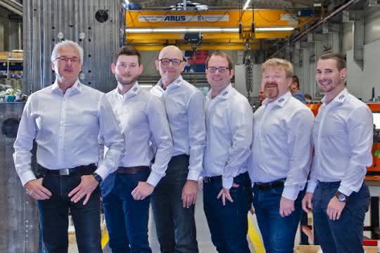 Das Team des neuen Heißkanal-Unternehmes mit Geschäftsführer Andreas Kißler (links)
