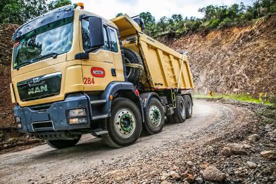 Kipper: Mit wertvoller Fracht durch Chiles Minen