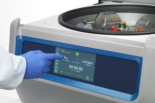 Ein Gerät der Thermo Scientific Universalzentrifugenserie Pro.