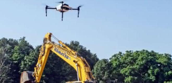 """Die """"Everyday drone"""" ist Teil des Smart Construction Konzepts von Komatsu"""