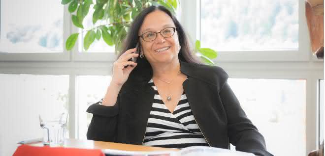 Bettina Schall