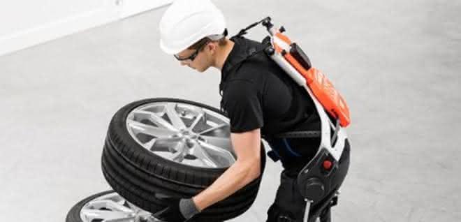 Smarte Kraftanzüge: BMW testet Exoskelette von German Bionic im Werkstatt-Betrieb