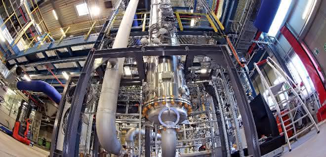 Im Evonik-Modul der Rheticus Versuchsanlage arbeiten Bakterien an der Umwandlung von Synthesegasen in Spezialchemikalien wie Butanol.