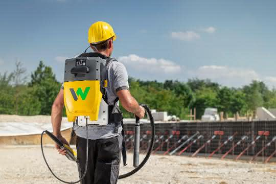 Alternative Antriebe: Wacker Neuson zeigt neue Antriebe beim 2. Construction Equipment Forum