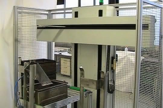 Kistenstapler: Automatisches Stapeln und Füllen