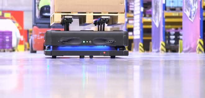 DB Schenker setzt auf autonome Lagerroboter mit KI-Sicht