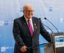 Logistiker Heinrich Grieshaber erhält Bundesverdienstkreuz am Bande
