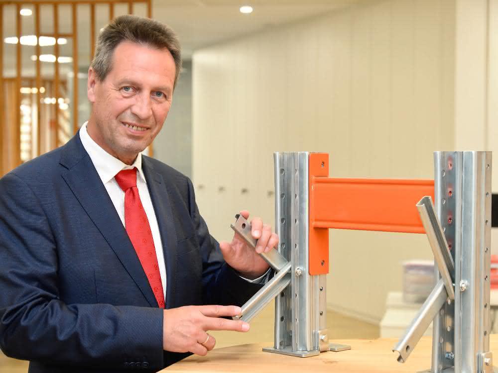 Roland Fischer neu im Team von AR Racking Deutschland