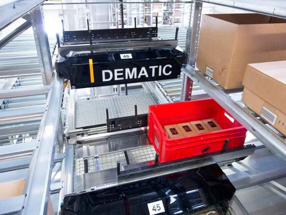 E-Commerce: Black Friday: Dematic rüstet Online-Händler für Auftragsspitzen