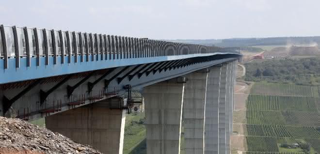 Zweithöchste Brücke Deutschlands freigegeben: Hochmoselbrücke fertiggestellt