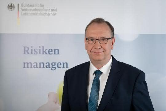 Dr. Helmut Tschiersky