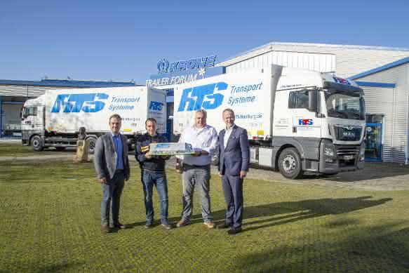 45 Krone Einheiten an RTS Transport Service übergeben