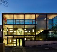 Gläserner Neubau der Brain AG im südhessischen Zwingenberg