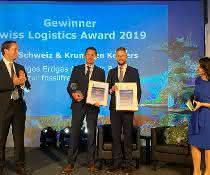 """Projekt """"Goodbye Diesel – Hello LNG"""" geehrt: Krummen Kerzers und Lidl Schweiz mit Swiss Logistics Award ausgezeichnet"""