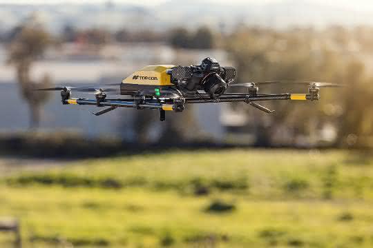 Flugdrohne: Falcon8+ darf Österreichs Städte befliegen