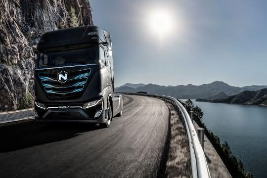 Batterie-Elektrofahrzeug vorgestellt: Iveco und Nikola präsentieren neuen E-Lkw