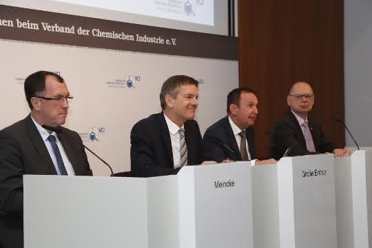 Der VCI stellt die Jahresbilanz 2019 der chemisch-phamazeutischen Industrie vor.