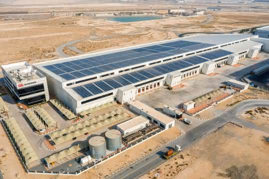 Logistik-Dienstleister: DB Schenker eröffnet solarbetriebenes Logistikzentrum in Dubai