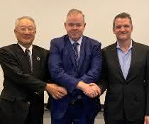 IFR-Führung: Junji Tsuda, Steven Wyatt, Milton Guerry.
